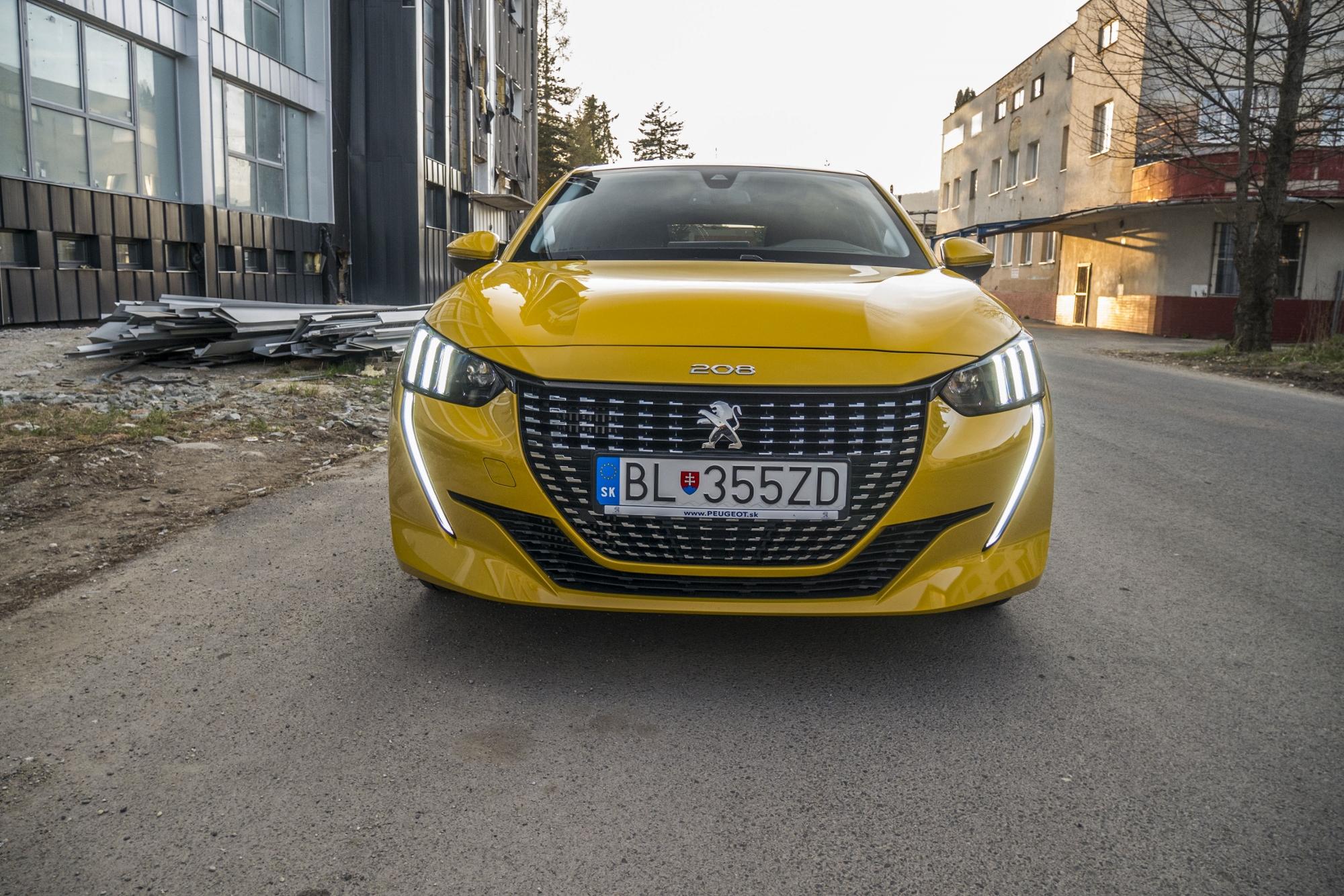 Test: Peugeot 208 prekvapivo pútal pohľady uorcUOyU7n peugeot-208-17