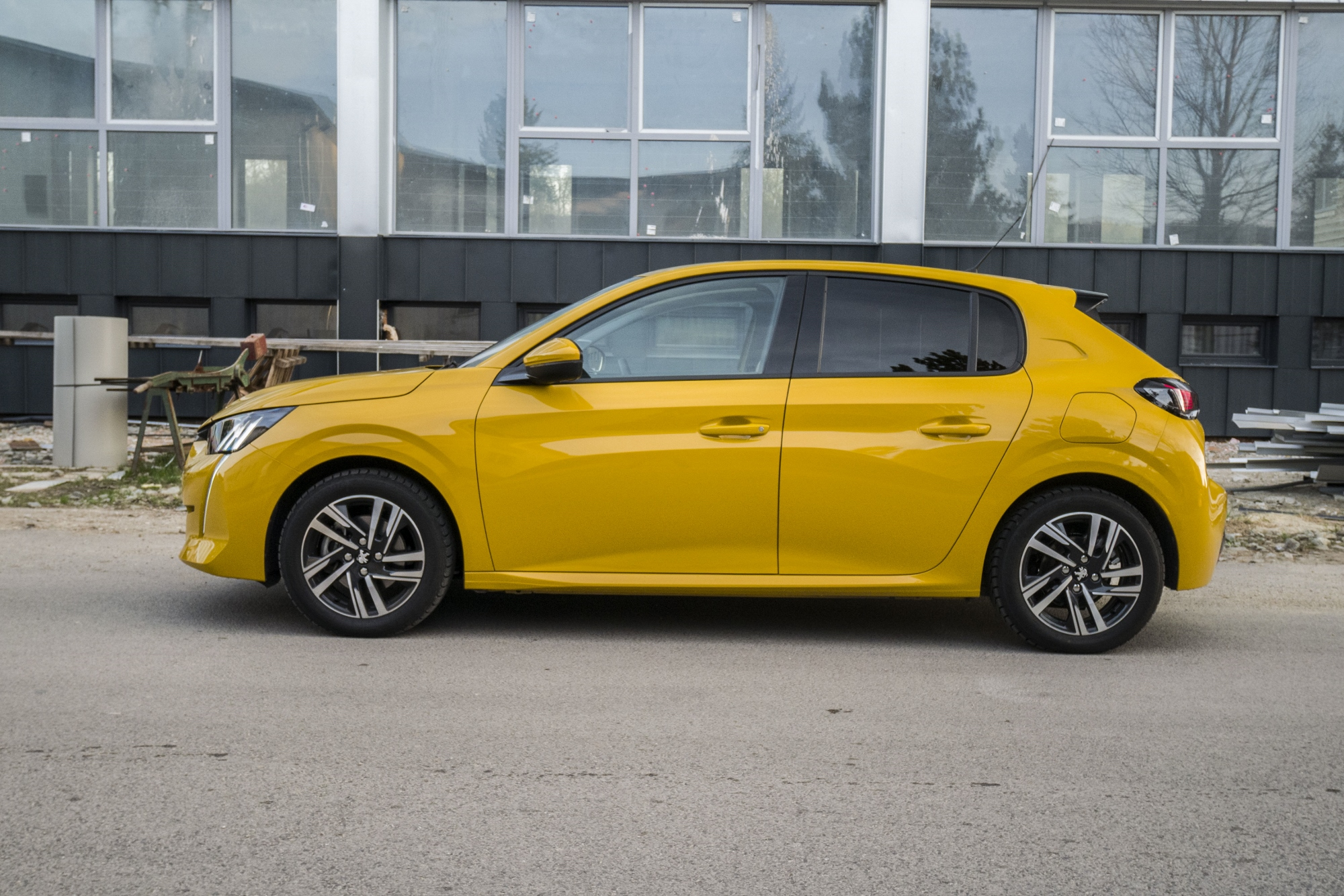 Test: Peugeot 208 prekvapivo pútal pohľady WCWY5Rwc8b peugeot-208-16