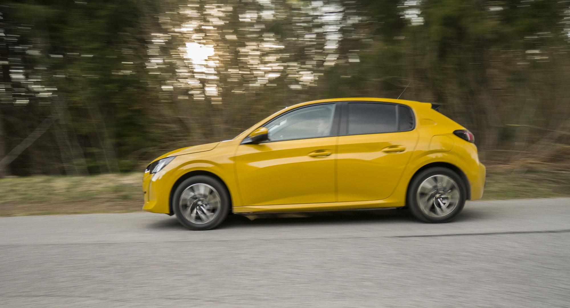 Test: Peugeot 208 prekvapivo pútal pohľady YdUHEfhzxL peugeot-208-4