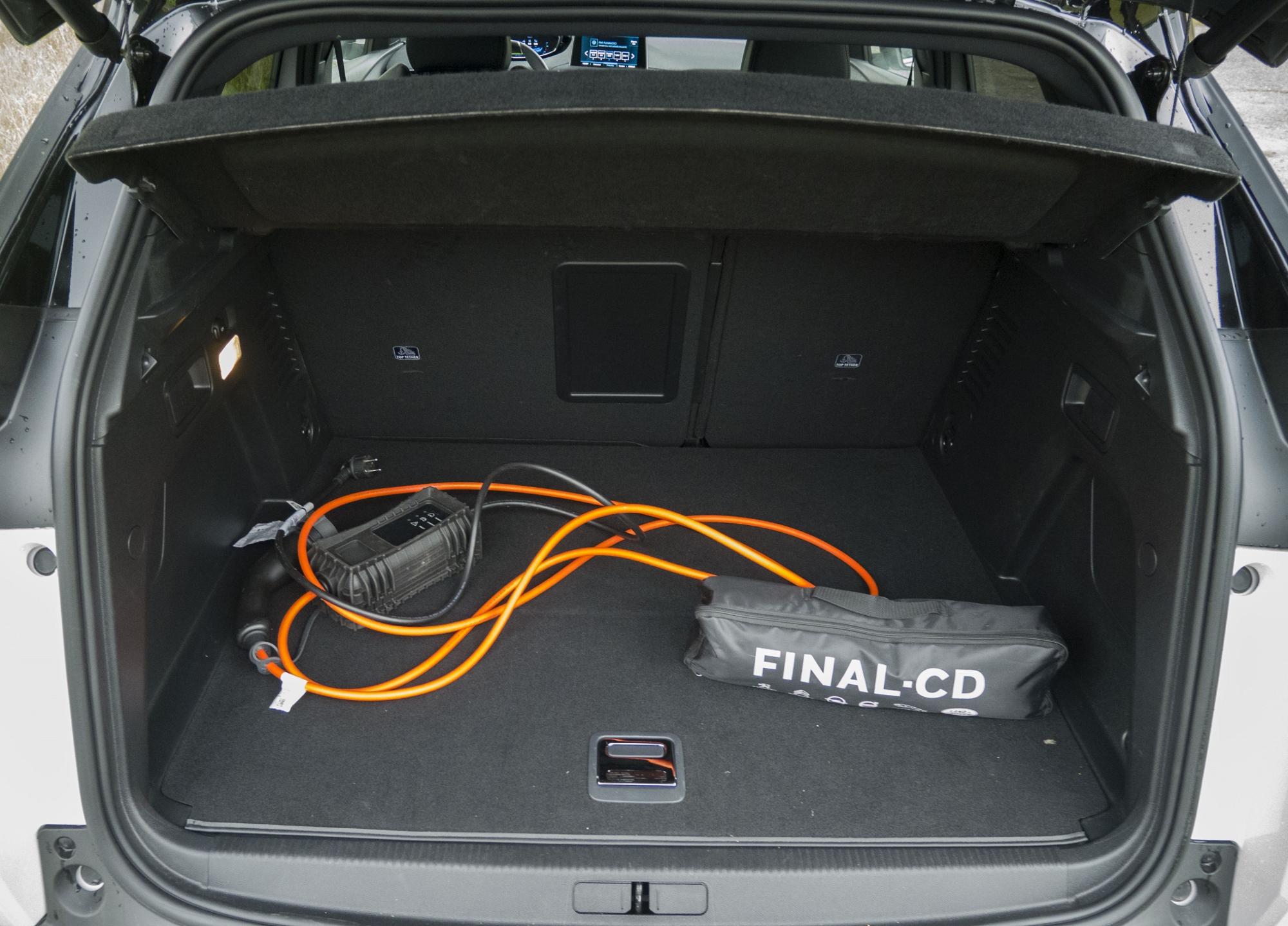 Test: Peugeot 3008 posúva schopnosti plug in hybridov GO2aGZK5vs peugeot-3008-hybrid4-15