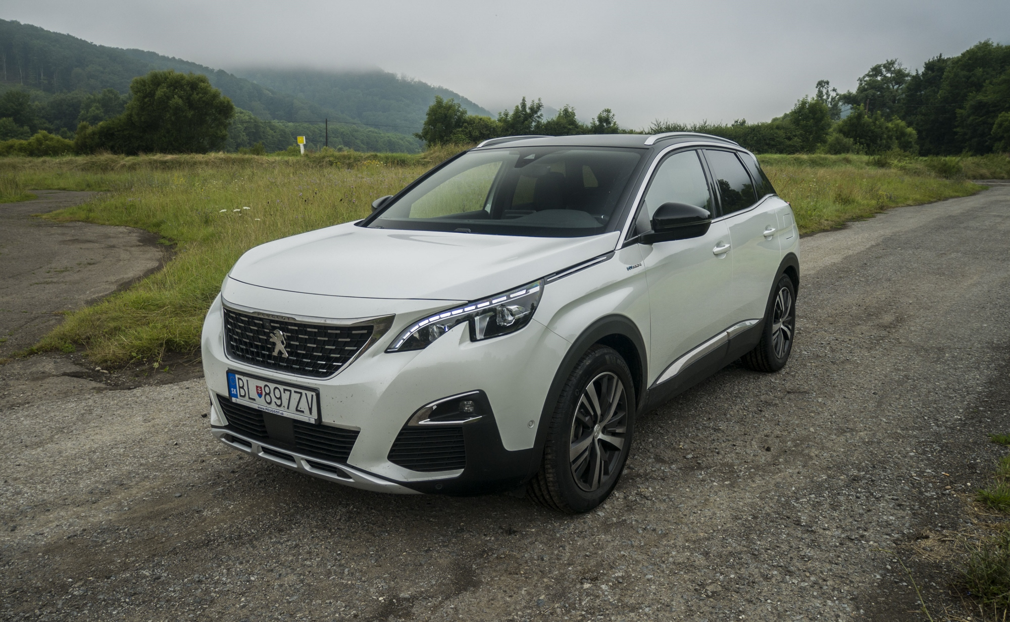 Test: Peugeot 3008 posúva schopnosti plug in hybridov KM93f7Mrcy peugeot-3008-hybrid4-14