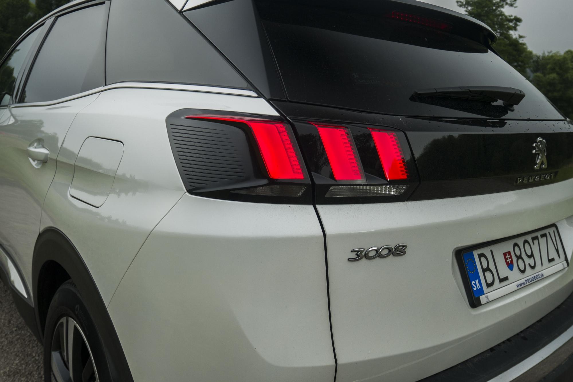 Test: Peugeot 3008 posúva schopnosti plug in hybridov OhGzrZh9Od peugeot-3008-hybrid4-10