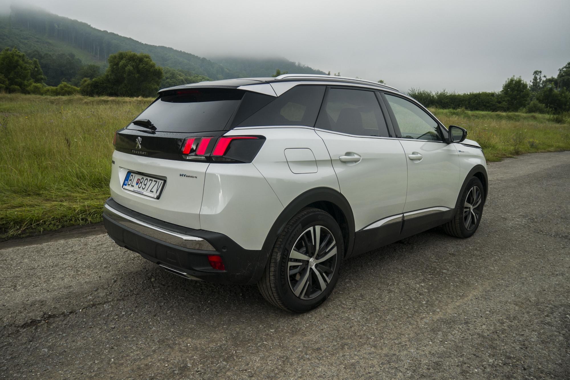 Test: Peugeot 3008 posúva schopnosti plug in hybridov rCeJAgSBha peugeot-3008-hybrid4-11