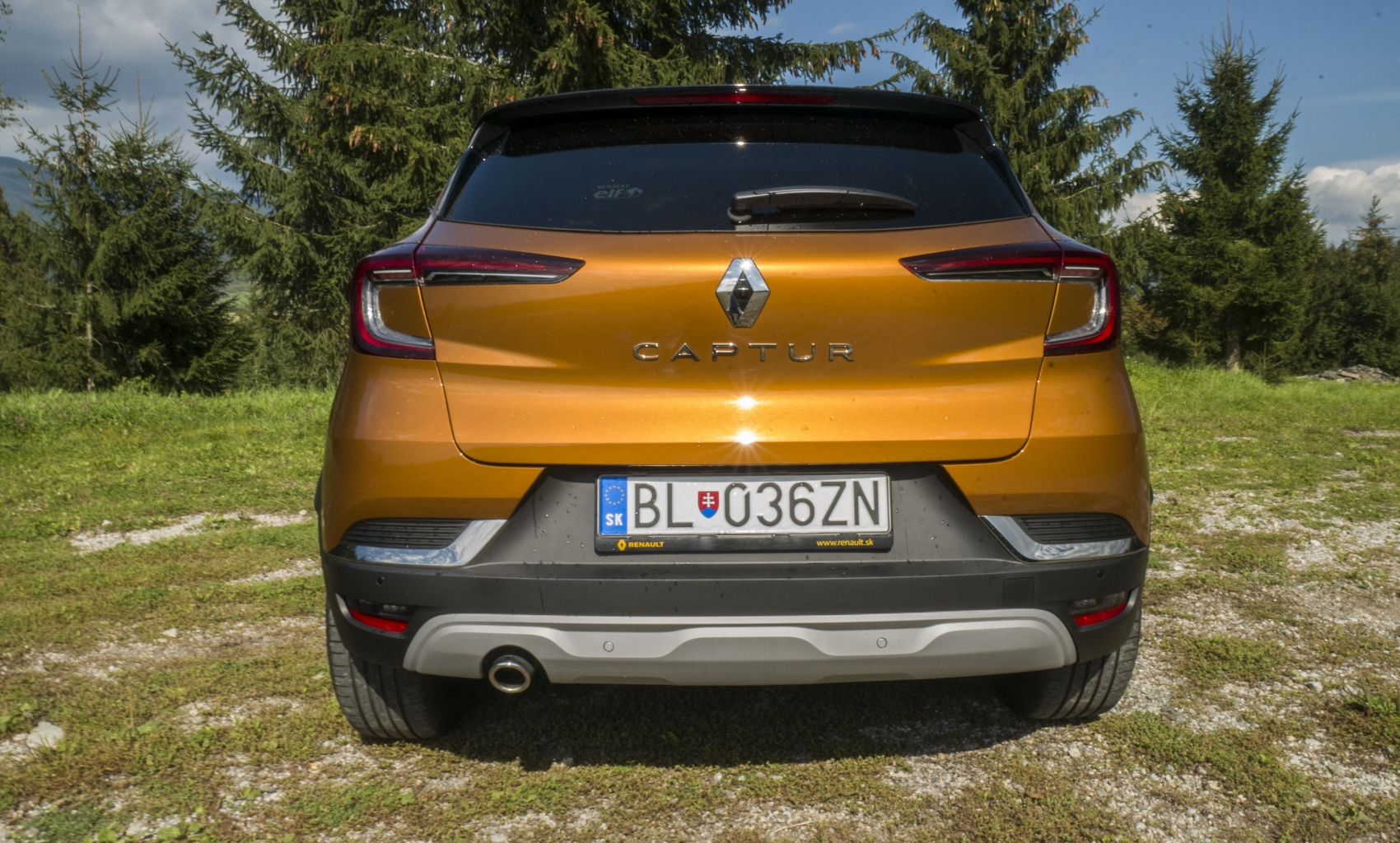Test: V interiéri sa Renault Captur tvári ako o triedu drahšie auto EjcDoz3Y51 renault-captur-8