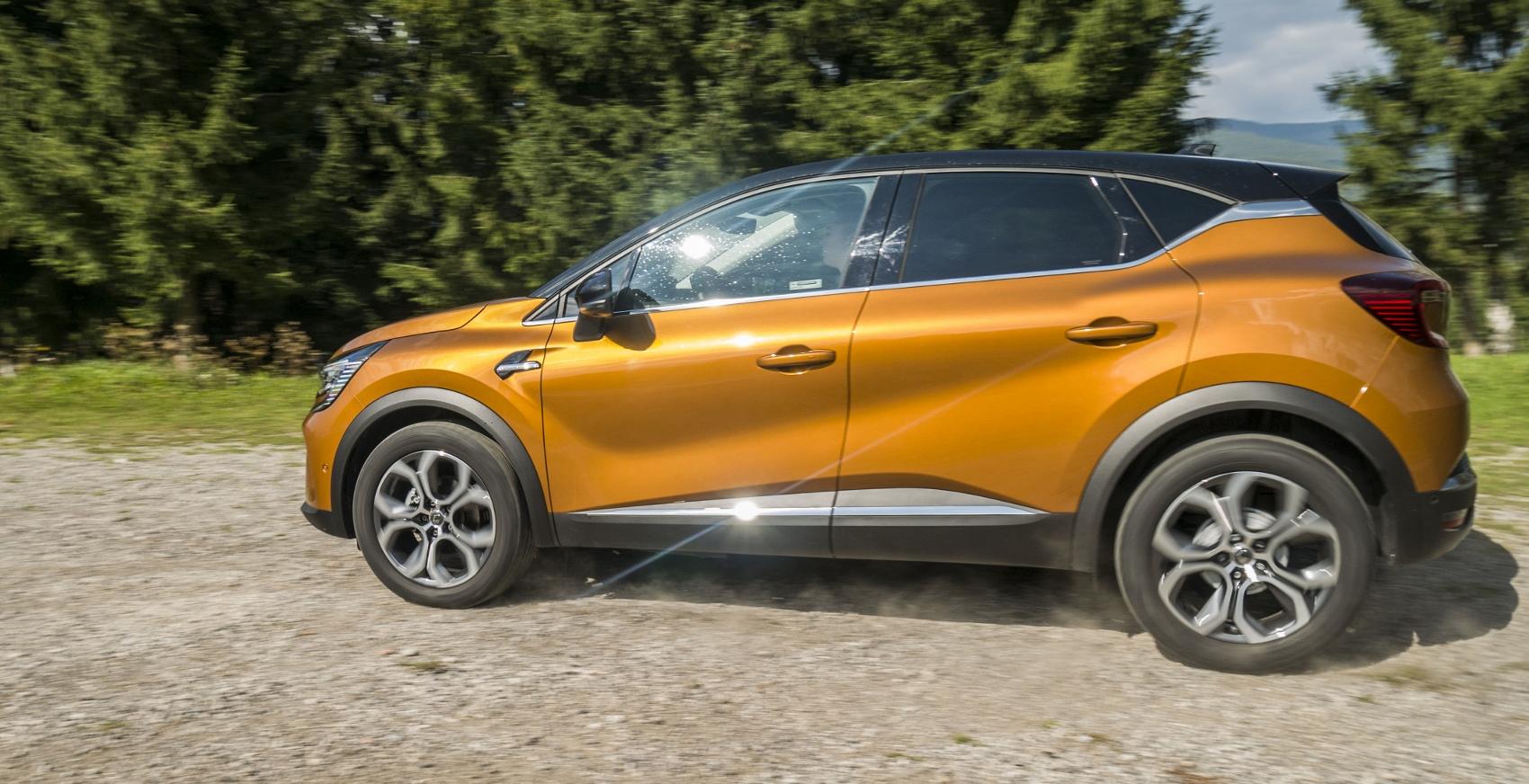 Test: V interiéri sa Renault Captur tvári ako o triedu drahšie auto fQtsxQBM12 renault-captur-17