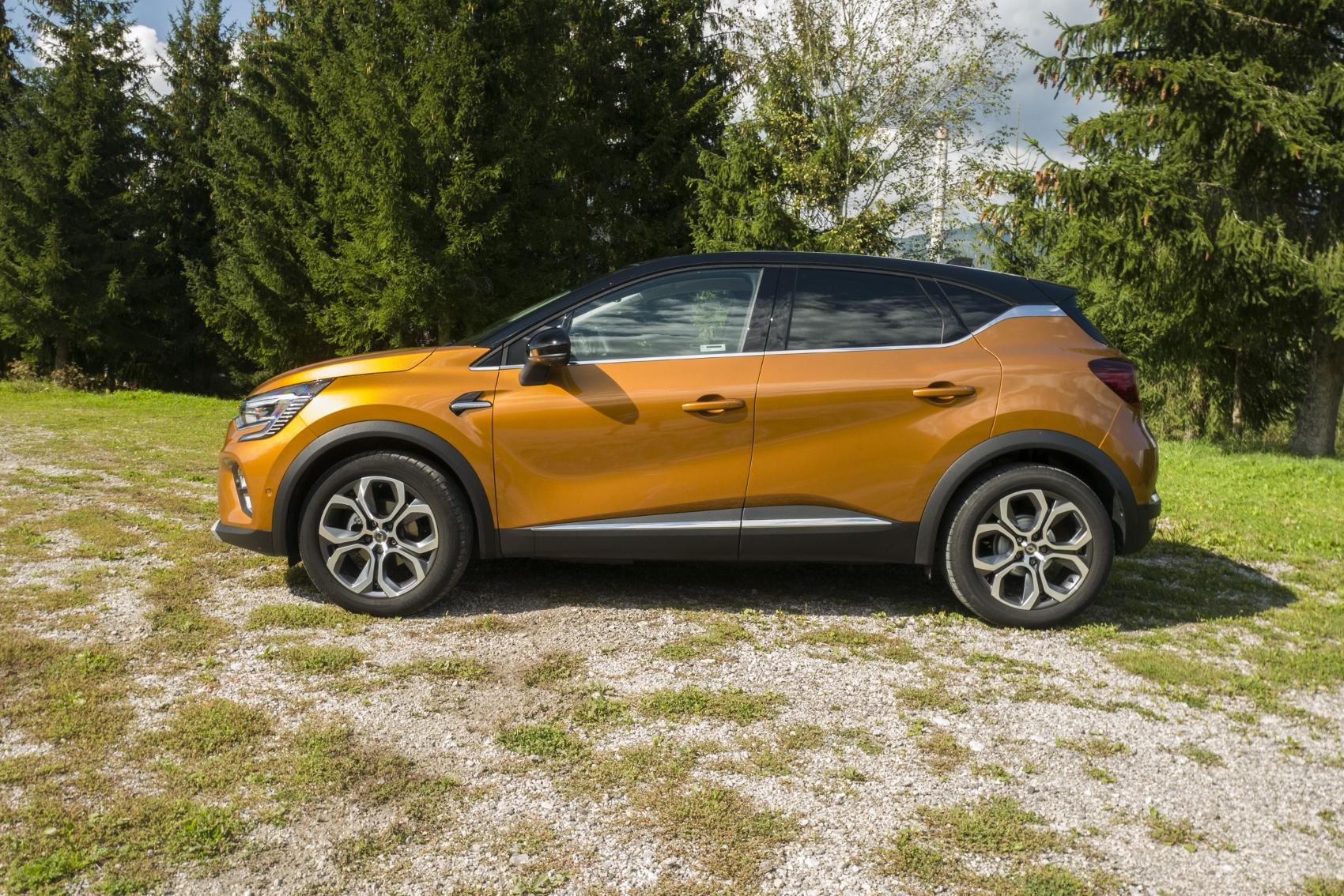Test: V interiéri sa Renault Captur tvári ako o triedu drahšie auto tSXhUEJ0Jo renault-captur-7
