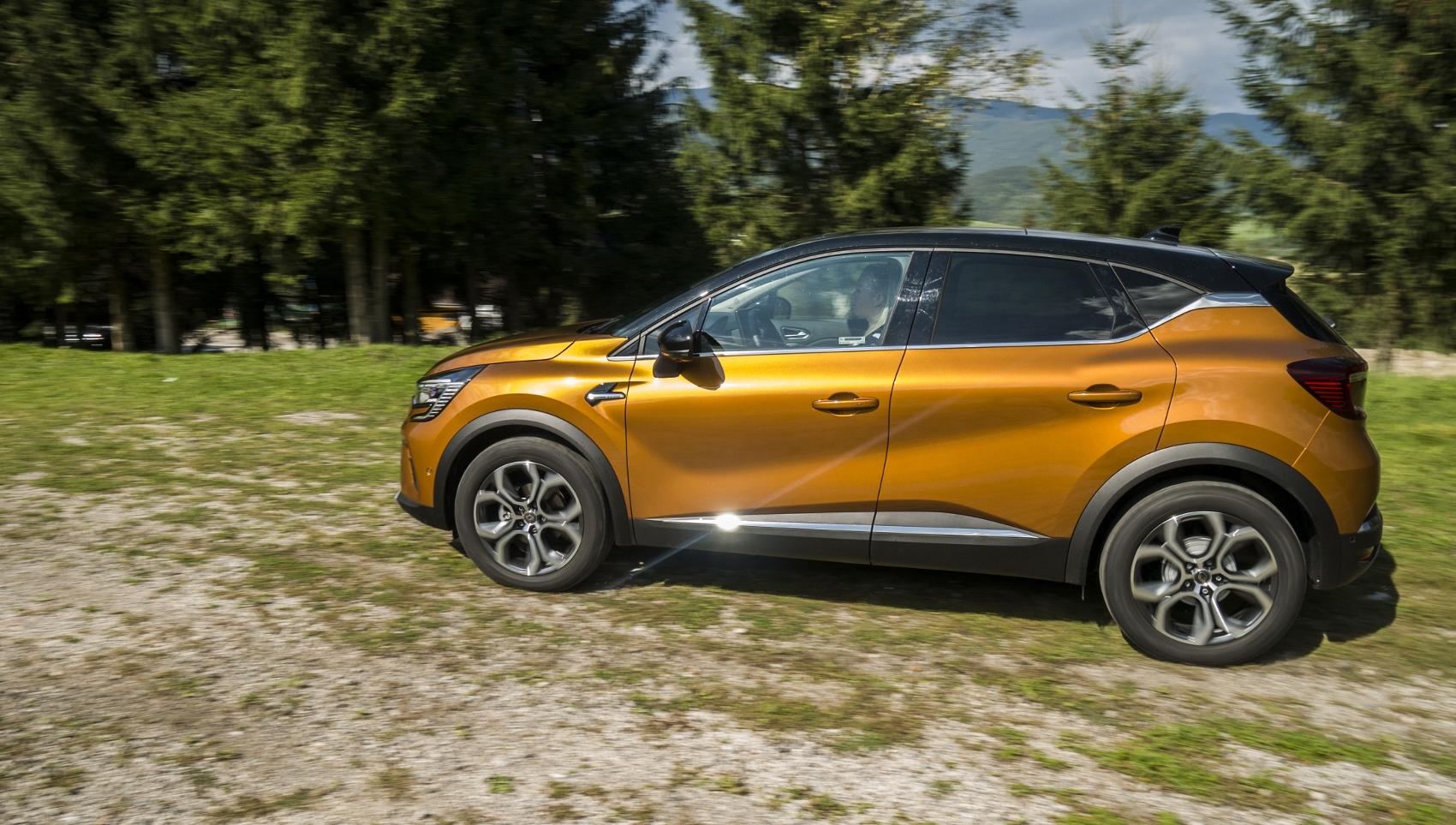 Test: V interiéri sa Renault Captur tvári ako o triedu drahšie auto ZLQahY06L3 renault-captur-12