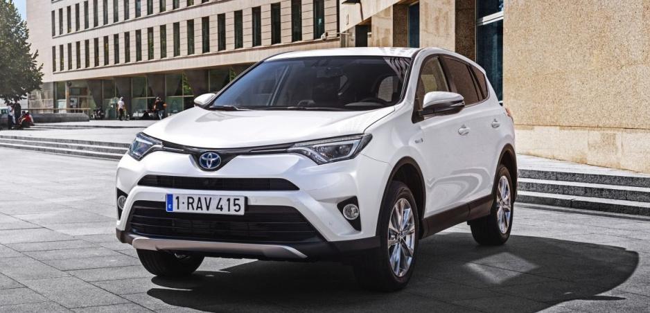 Toyota RAV4 je ďalším autom, ktoré z ponuky vypúšťa diesel