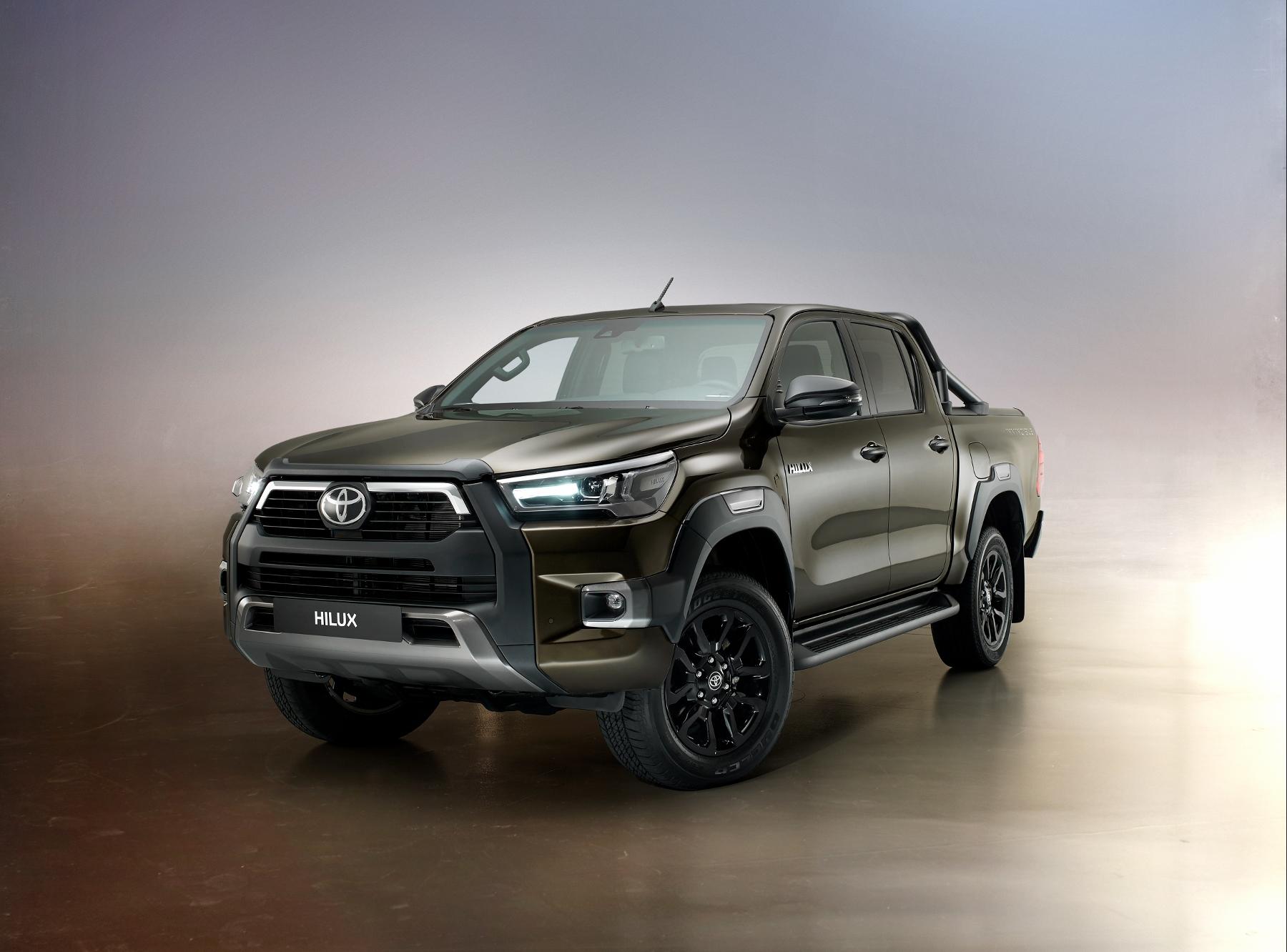 Toyota ukázala vylepšený Hilux s novým motorom. Zamerala sa na komfort