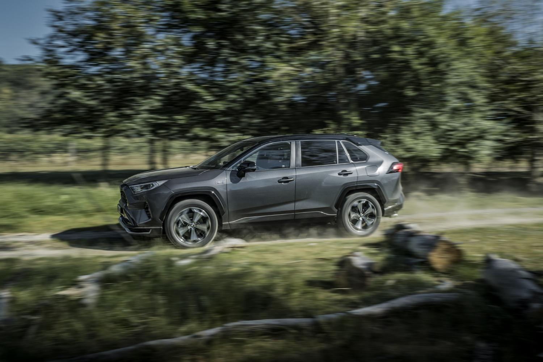 Toyota začne s predajom RAV4 plug in hybrid v budúcom roku