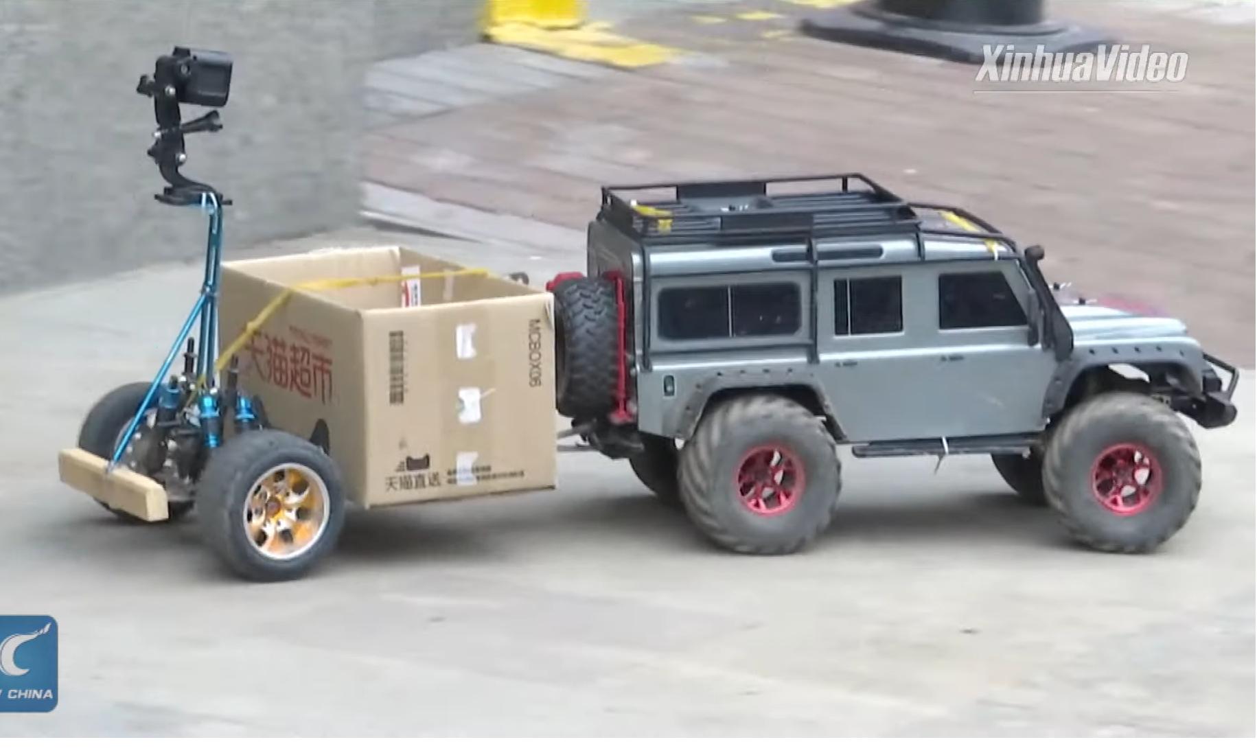 Video: Žena z Číny poslala na nákup auto na diaľkové ovládanie