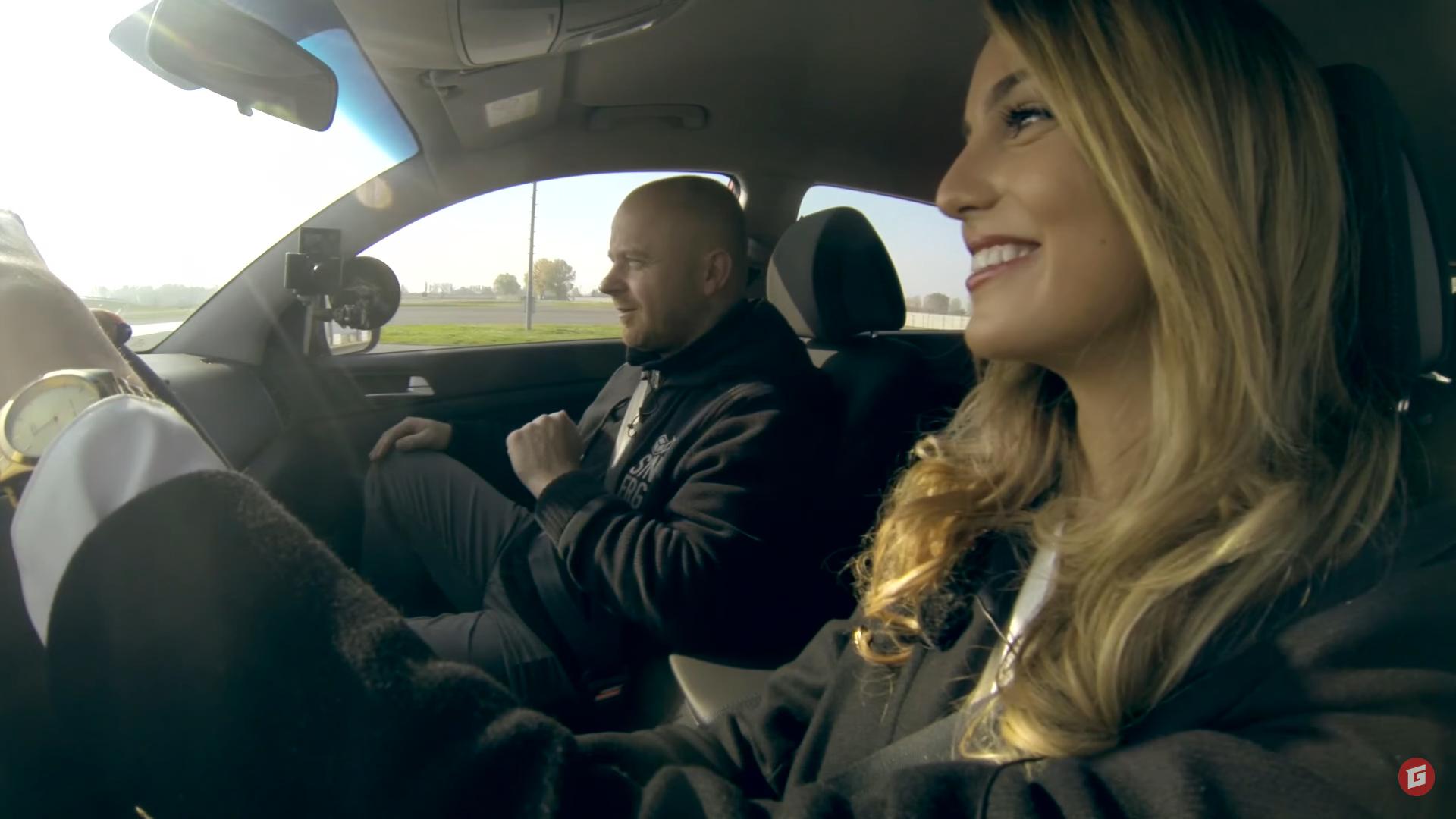 Videoautoškola s Miss 2016: Ako sa zladiť za volantom V.