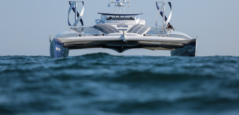 Vodíková loď vyrazí na plavbu okolo sveta. Vodík si vyrobí z morskej vody