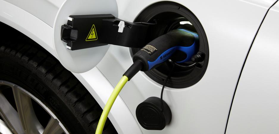 Volvo úplne škrtá diesel. Pri postupnom prechode k elektromobilom stavilo na hybridy