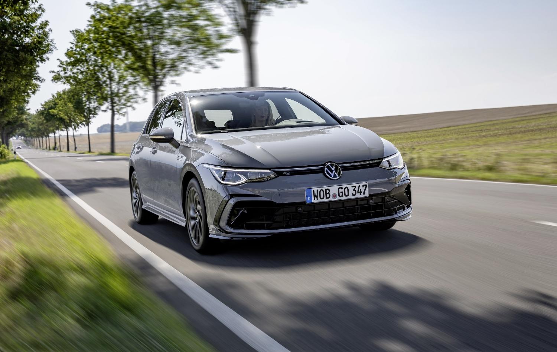 VW Golf dostal nové mild a plug in hybridné motory. Poznáme ich nemecké ceny 2GZyVeymnu volkswagen-g