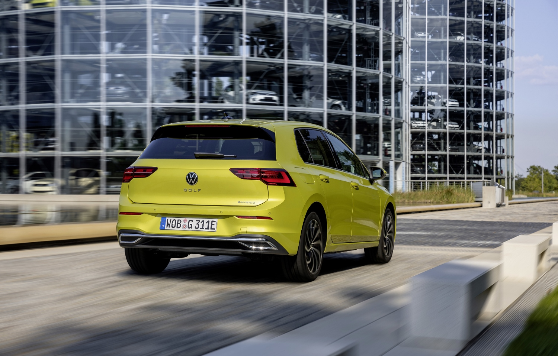 VW Golf dostal nové mild a plug in hybridné motory. Poznáme ich nemecké ceny 8qpNBkCRbu volkswagen-g