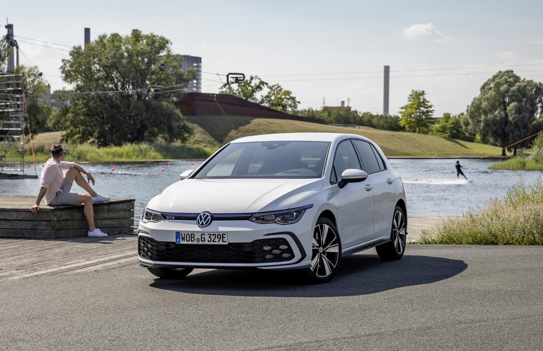 VW Golf dostal nové mild a plug in hybridné motory. Poznáme ich nemecké ceny AIZeYzCBCm volkswagen-g