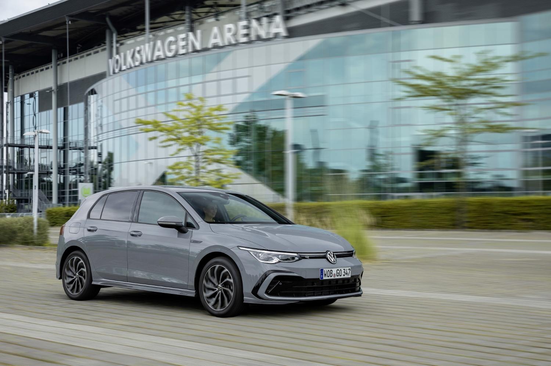 VW Golf dostal nové mild a plug in hybridné motory. Poznáme ich nemecké ceny JIkRjJQcEi volkswagen-g