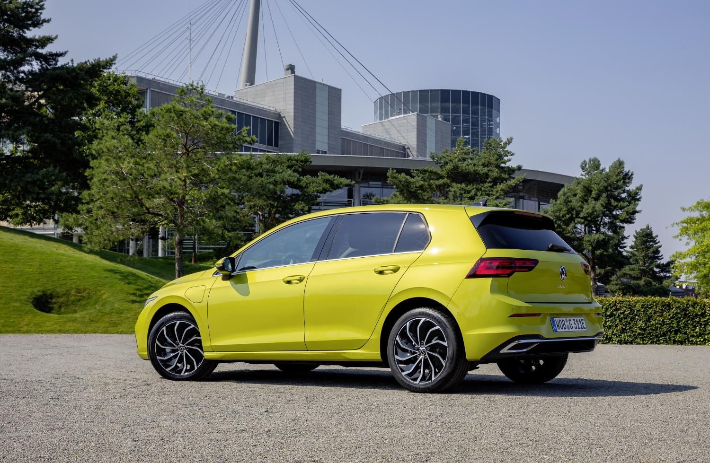 VW Golf dostal nové mild a plug in hybridné motory. Poznáme ich nemecké ceny kL3WIZufqK volkswagen-g