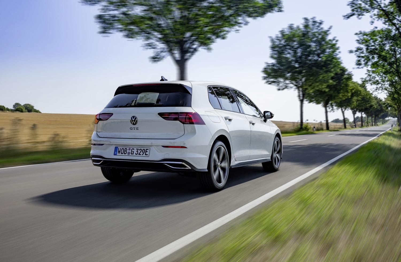 VW Golf dostal nové mild a plug in hybridné motory. Poznáme ich nemecké ceny qg9REsBB7O volkswagen-g
