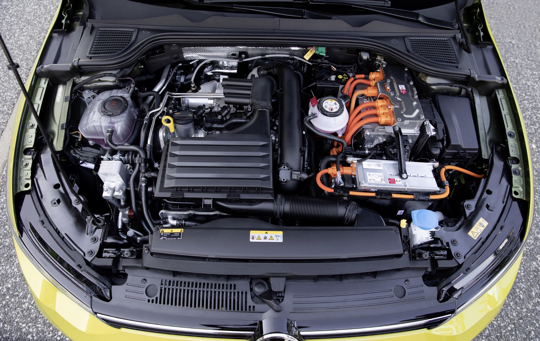 VW Golf dostal nové mild a plug in hybridné motory. Poznáme ich nemecké ceny Rdyk5GQlTs volkswagen-g