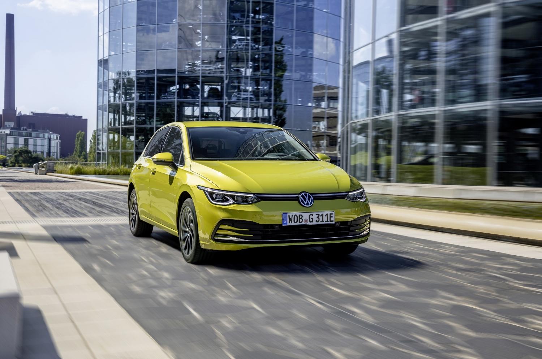 VW Golf dostal nové mild a plug in hybridné motory. Poznáme ich nemecké ceny yY0ItbgS7M volkswagen-g