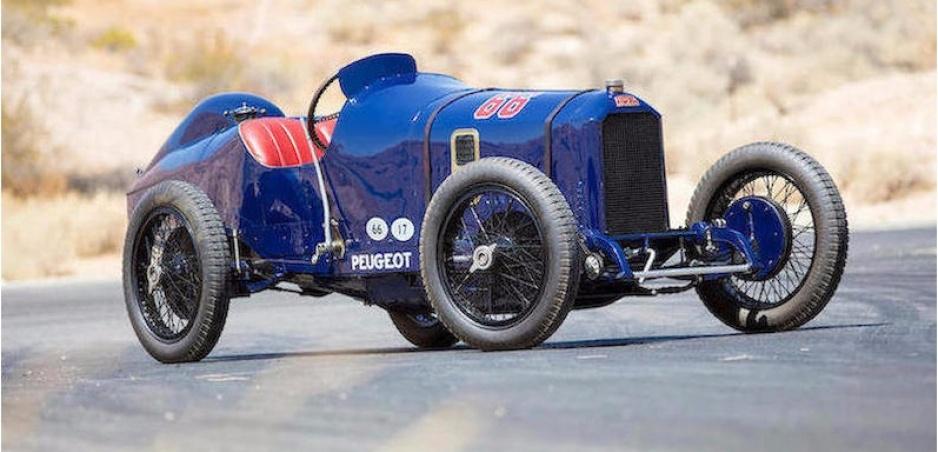 """Vydražili Peugeot L45 - """"pretekára"""", ktorému brzdili všetky kolesá (1914)"""