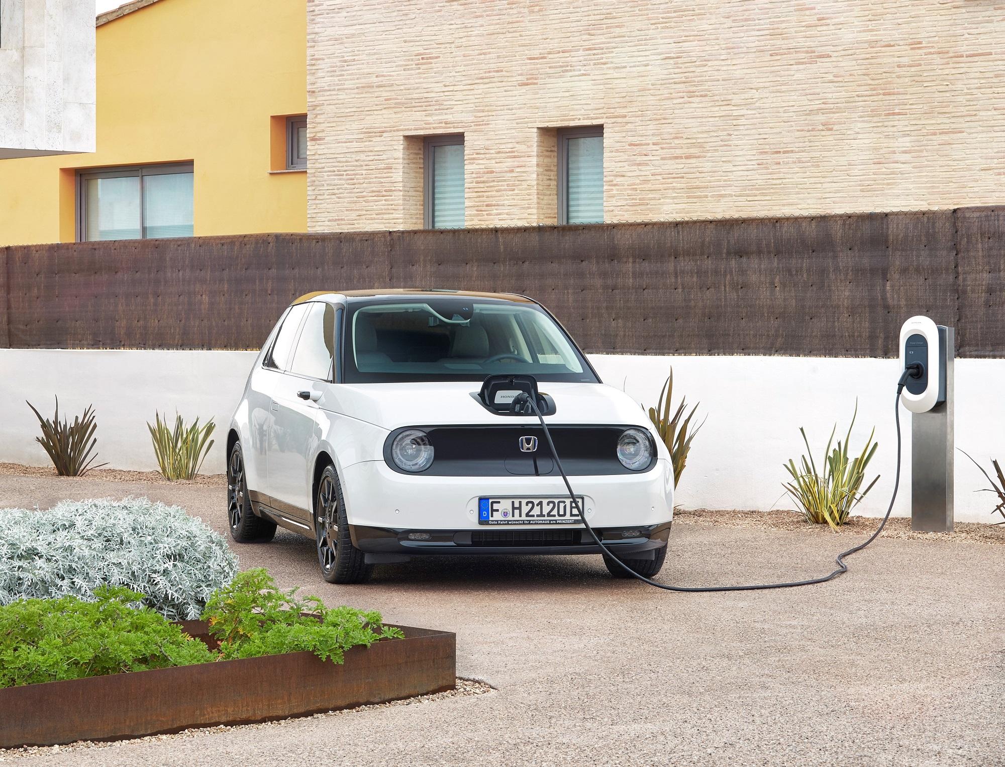 Za akých podmienok sme ochotní kúpiť elektromobil? Prieskum odpovedá jednoznačne