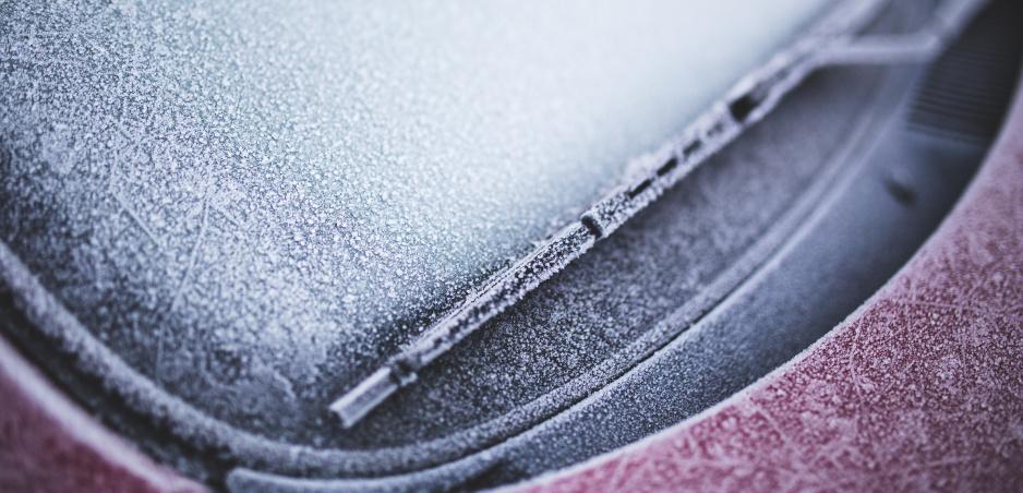 Zamrznuté okno už nemusí byť problém. S týmito trikmi