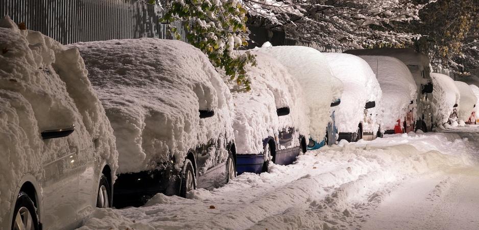 Zohrievanie motora v zime: Točiť alebo ísť?