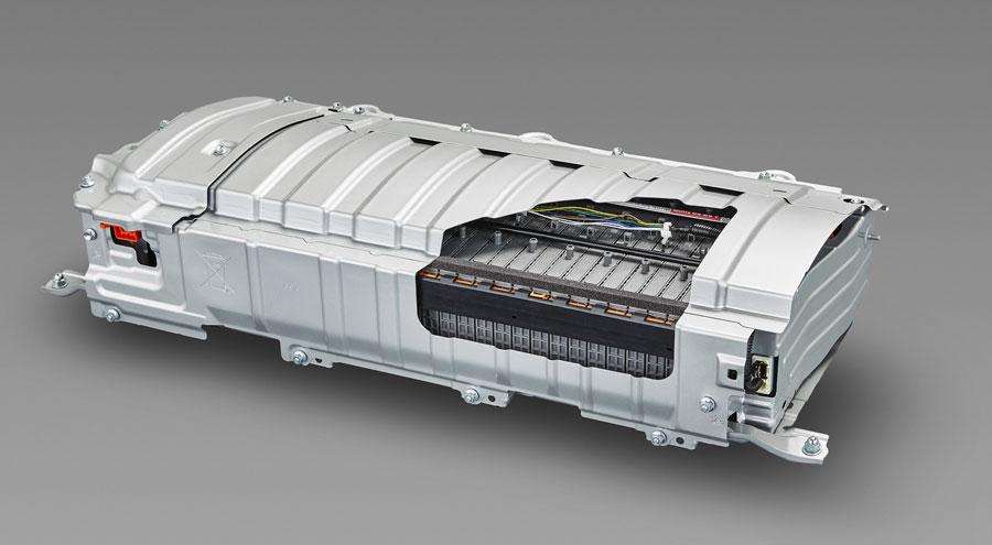 BloombergNEF: Ceny batérií klesnú a elektromobily zlacnejú na úroveň ostatných áut v roku 2023