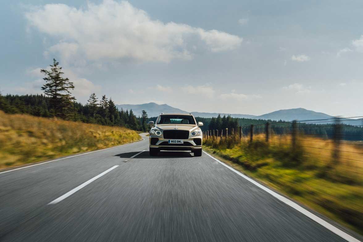 Bentley Bentayga Hybrid 2021 (11)