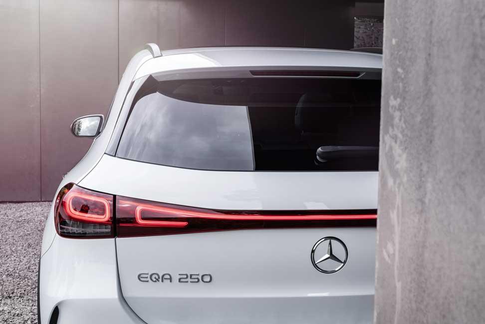 Mercedes EQA (15)
