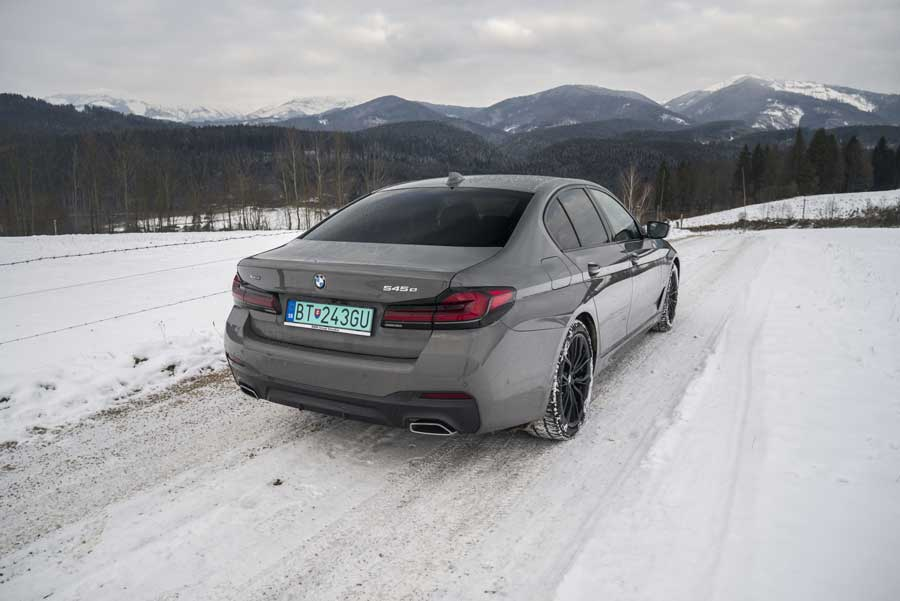 BMW 545e (10)
