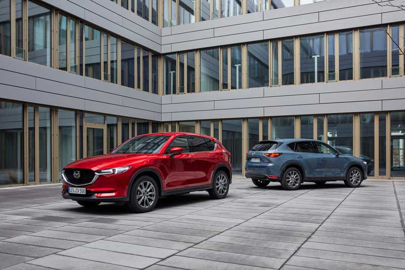 2021_Mazda_CX-5_Germany_Family_Shot-_