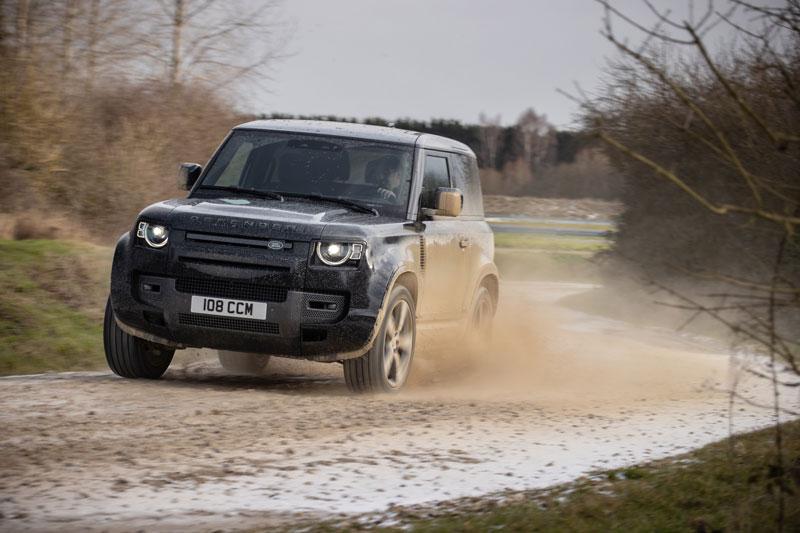 Land Rover Defender V8 (1)