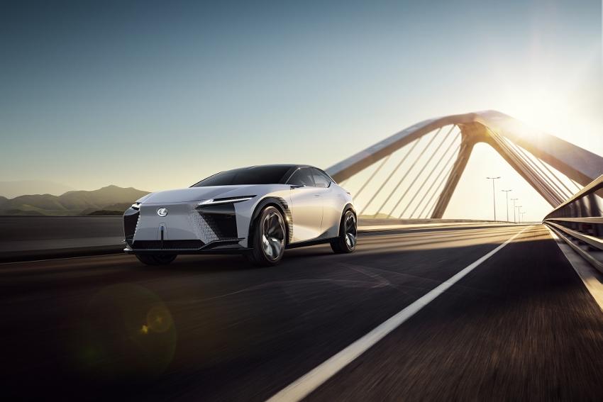 2021-Lexus-LFZ-0023 (850x567)