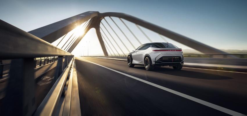 2021-Lexus-LFZ-0024-scaled (850x401)