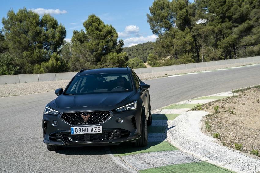 Prvá jazda: Formentor VZ5 s päťvalcom od Audi je hodný značky Cupra