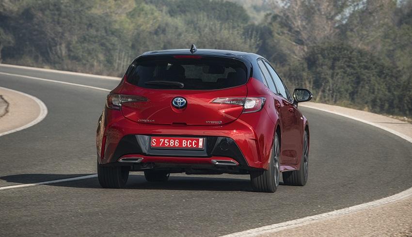 Spaľovací vodíkový motor dostane Prius aj Corolla