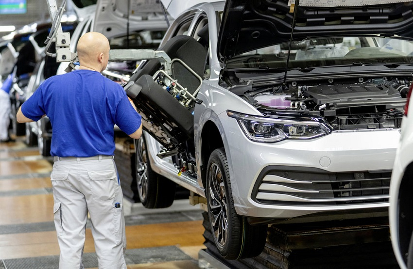 Volkswagen vyrobil vo Wolfsburgu najmenej áut od roku 1958