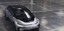 Tesla má konkurenciu! Faraday Future už testujú.