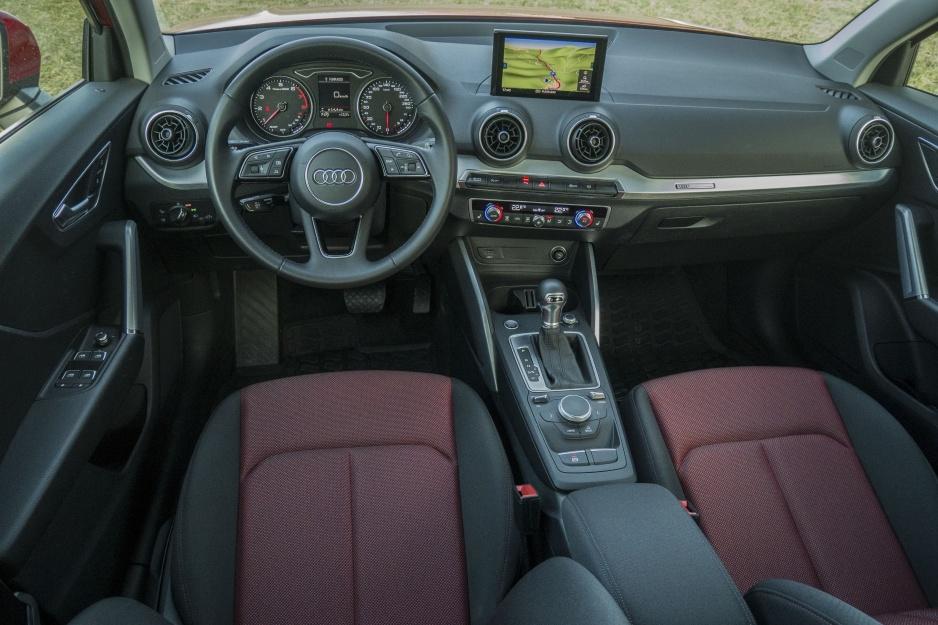 Audi Q220