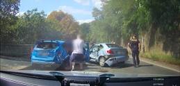Polícia odhalila zábery šialenej cesty vodiča z Prahy. Nabúral autá v protismere
