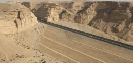 Najfascinujúcejšie cesty sveta 2: Highway 10 (vyberáme z archívu)