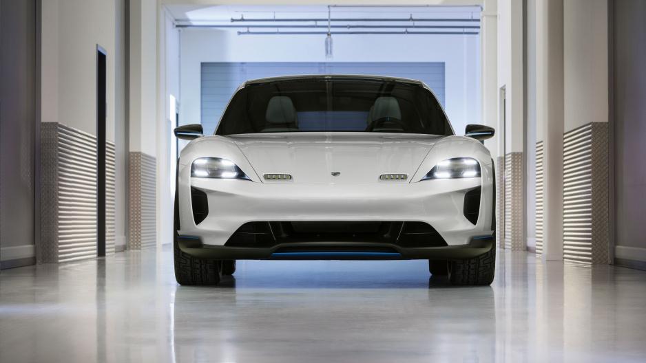 Porsche Mision E Cross Turismo